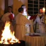 Benção do fogo e preparação do círio
